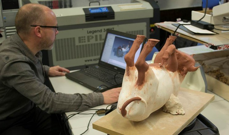 The 3D scanning of the reconstructed bull