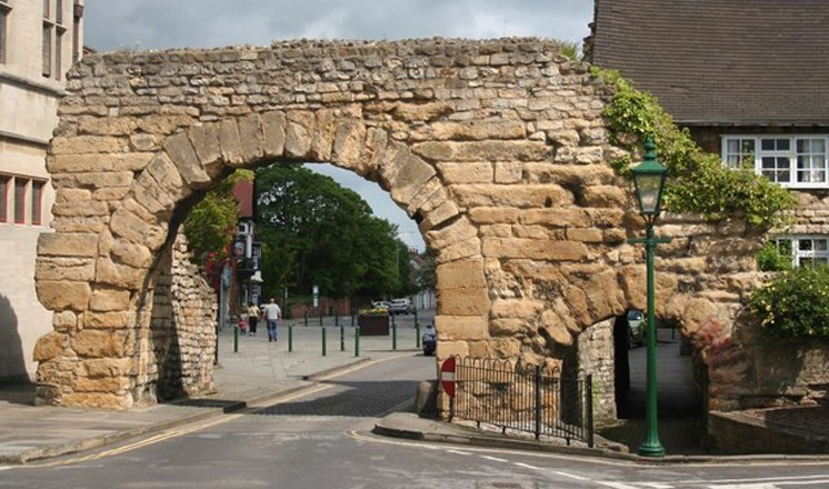 Newport Arch as it is today